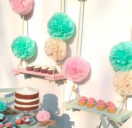 Columpios de Poms y Cupcakes